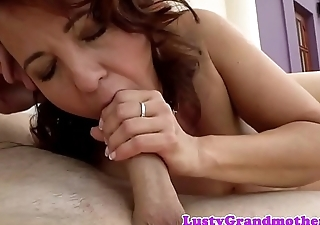 Pussyfucked euro granny loves tasting jizz