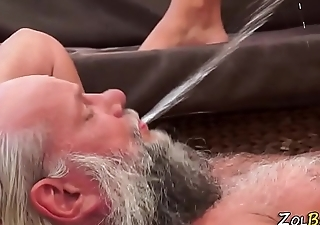 Fetish babe piss guzzled