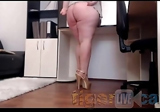 Jameyla73 Part 3 on Chaturbate **Shows Pussy &amp_ Cums**