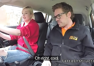 Blonde in red bra fucks instructor in car
