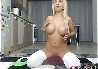 hot model plays with her shaved pussy on webcam